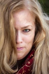 Barbara Amaya - Photo Credit Kay Chernush, founder and artist of ArtWorks for Freedom